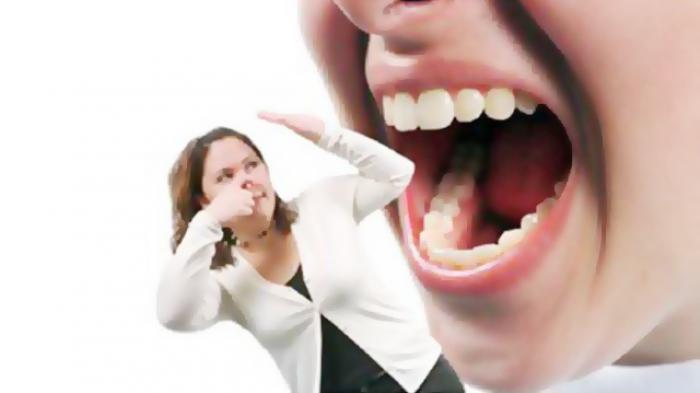 Penelitian Saito pada tahun 1998, menunjukkan bahwa penderita obesitas memiliki resiko 2.5 kali lebih tinggi dibanding individu dengan berat badan normal untuk mengalami kasus periodontal.